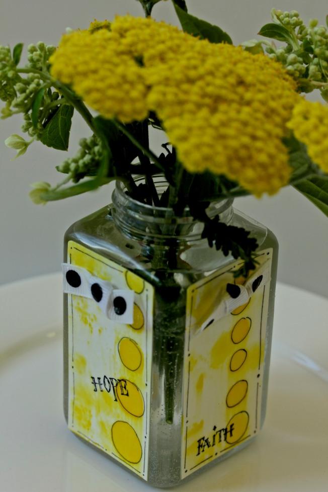 Simple Mini Flower Vase Tutorial