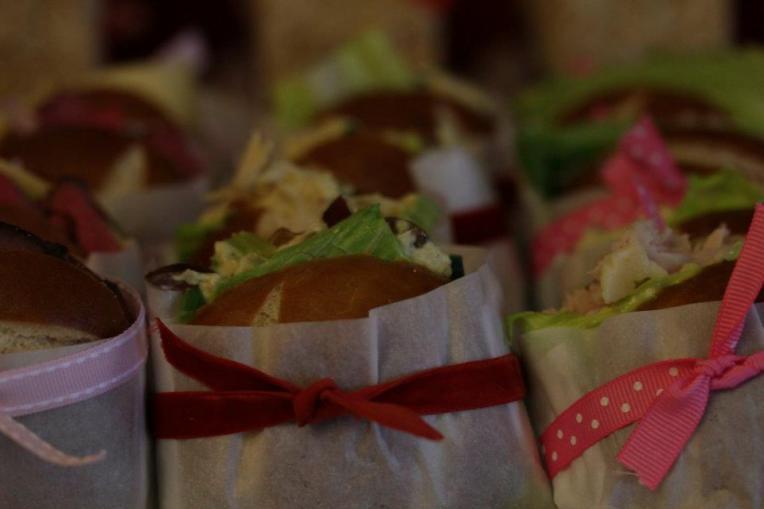 Ribbon:mini sandwiches