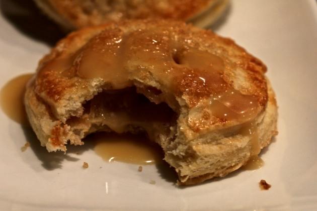 Apple hand pie w/salted caramel
